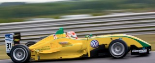 Nasr Extends Points Lead In Brands Hatch 3rd Race