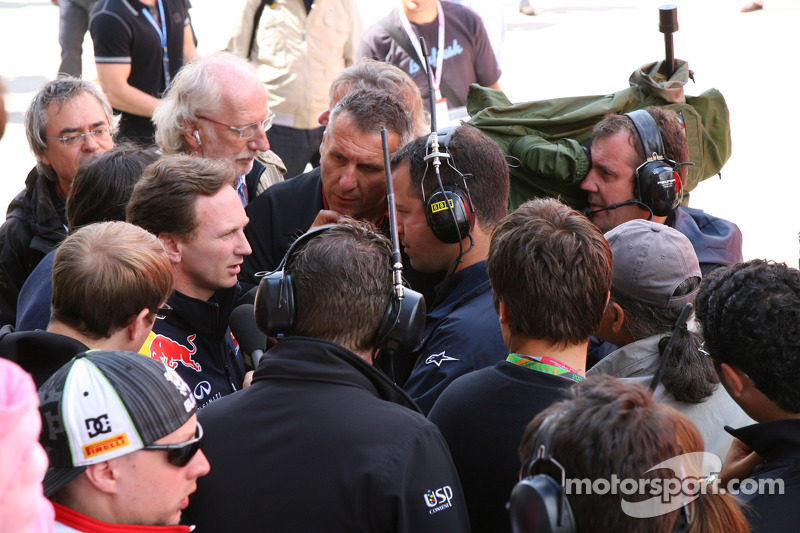 Pole Takes Back Seat To F1 Blowing Farce