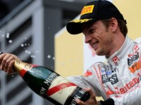 Button wants McLaren to trigger 2012 contract
