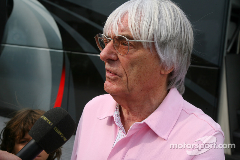 Ecclestone 'tempted' to buy Renault team in 2009