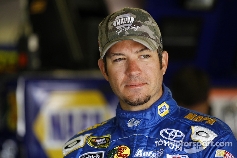 Martin Truex Jr. claims the pole at Dover