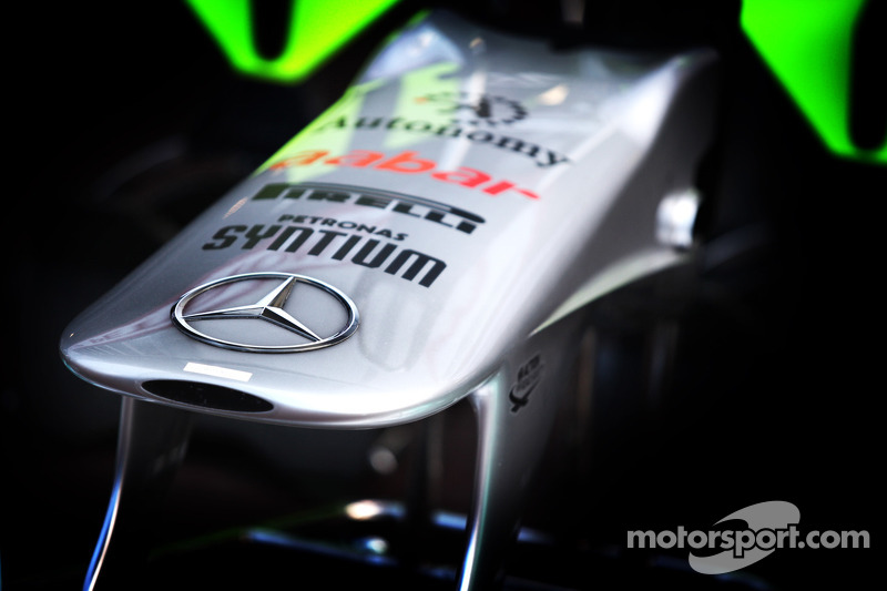 Mercedes invents front wing F-duct for 2012 - report