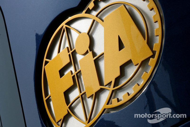 Formula One governing body to help Wheldon crash probe