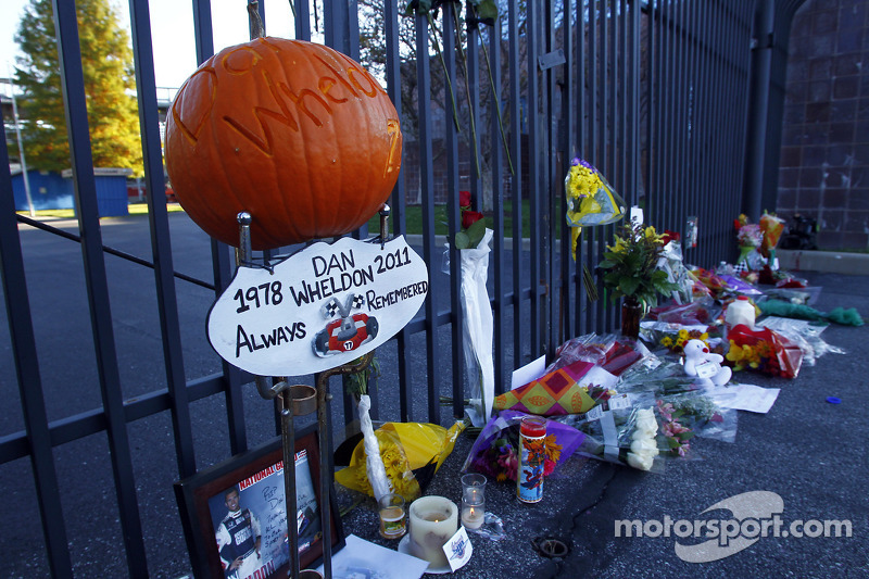 Dan Wheldon Memorial Auction is announced