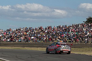 V8 Supercars TeamVodafone aims for Sandown podiums in Melbourne