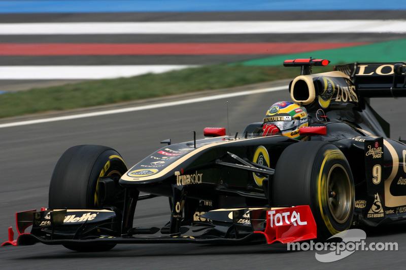 Senna hopes to keep Renault/Lotus seat for 2012
