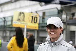 DTM Susie Wolff retains Mercedes-Benz cockpit for 2012 DTM season