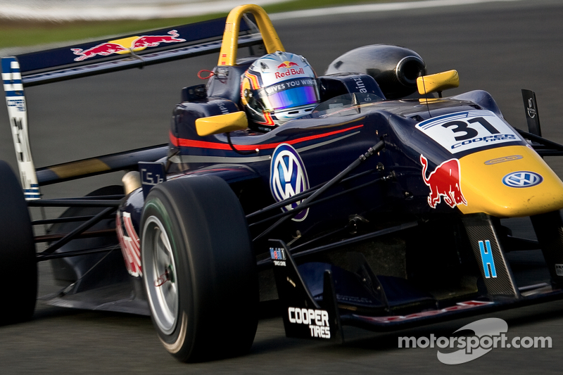 Sainz and Serralles battle it out for Monza pole slots