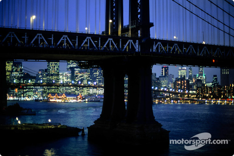 New York organisers deny 2013 race delay