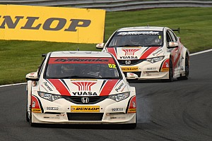 BTCC Race report Gordon Shedden retakes series lead with Race 2 Croft win