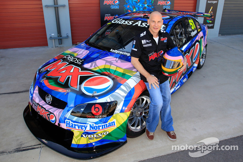 Jacques Villeneuve saddles up for Townsville 400