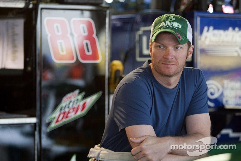 Earnhardt Jr. discusses Daytona strategy with the media
