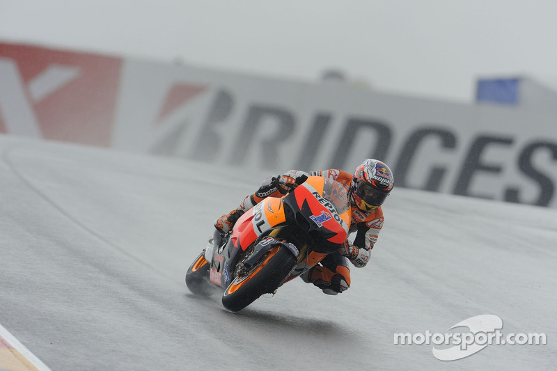 Stoner fastest in soaked Sachsenring qualifying