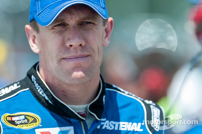 Edwards takes outside pole for Ford at Michigan