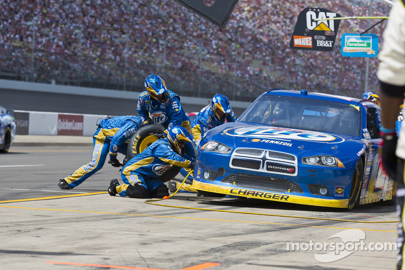 Keselowski takes Dodge to a solid second at Michigan