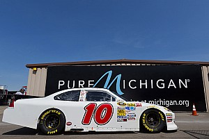 NASCAR Sprint Cup Race report David Reutimann scores top-25 finish at Michigan