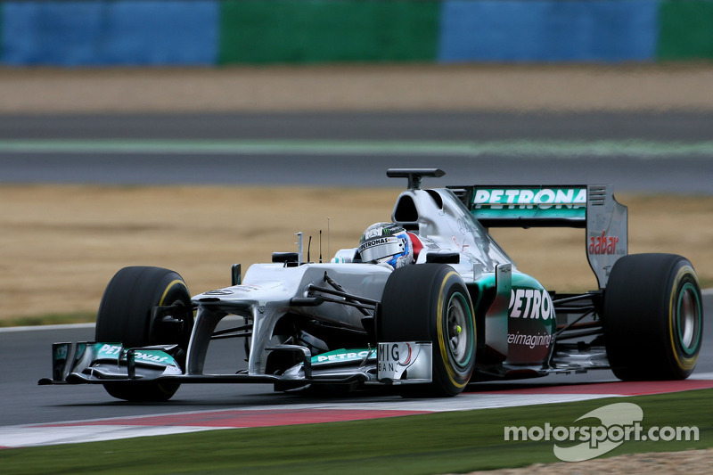 Mercedes and Bird have prodructive second test day at Magny-Cours