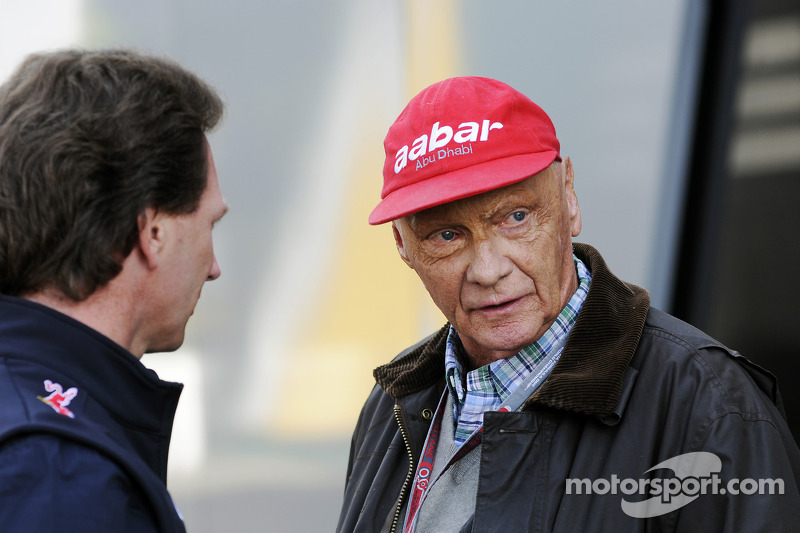 Lauda denies Mercedes job offer