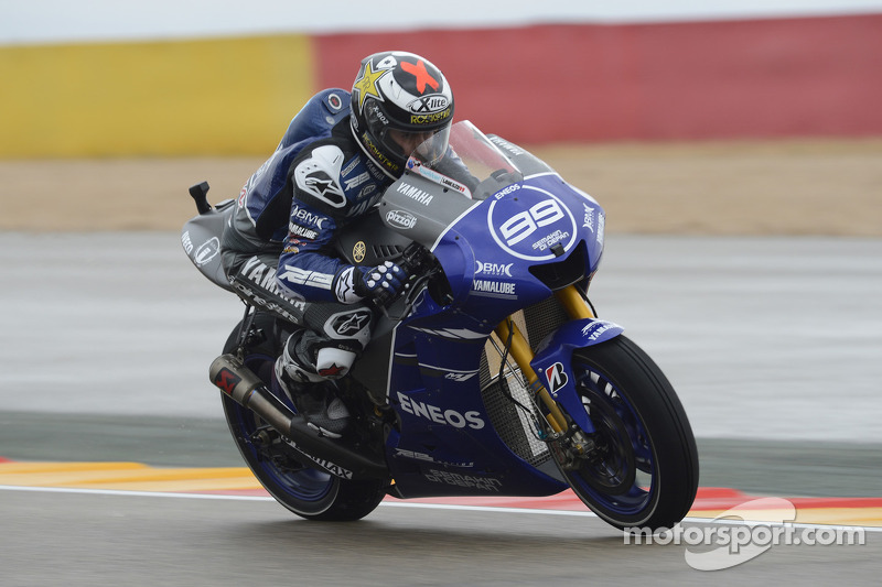 Lorenzo delivers with pole in Aragon