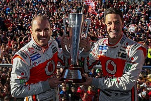 Supercars Race report Whincup edges out Reynolds for Bathurst 1000 win
