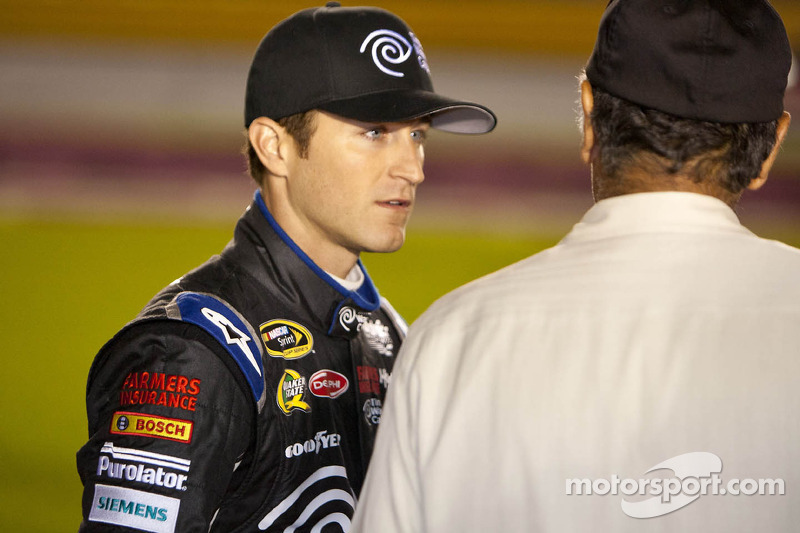 Kahne on Charlotte 500: Run fast as we can and up front