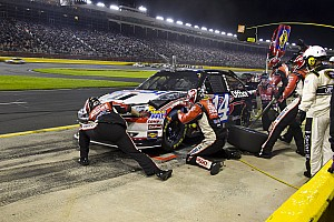 Stewart rebounds at Charlotte after early race accident