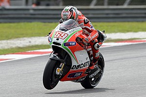 MotoGP Qualifying report Rossi improves pace and Hayden makes third row on Malaysian GP