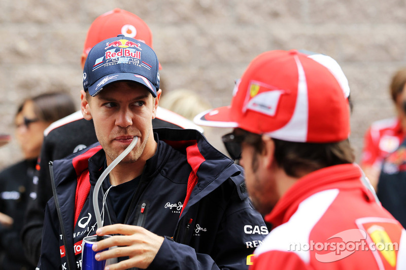 Vettel reduces off-track load for title battle