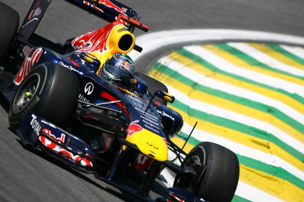 Vettel must hope for dry weather in Brazil - Webber