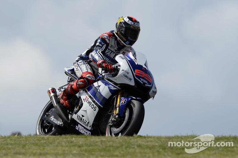 Lorenzo qualifies second for final Valencia race