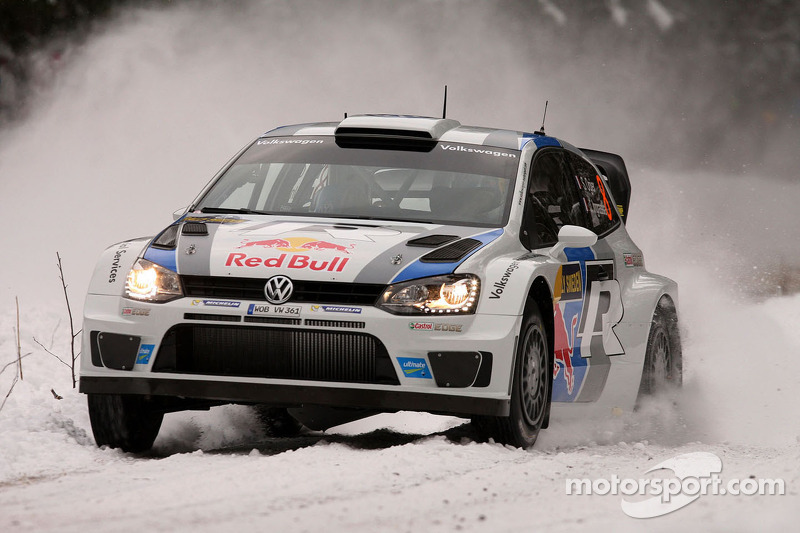 Ogier dominates first leg in Sweden