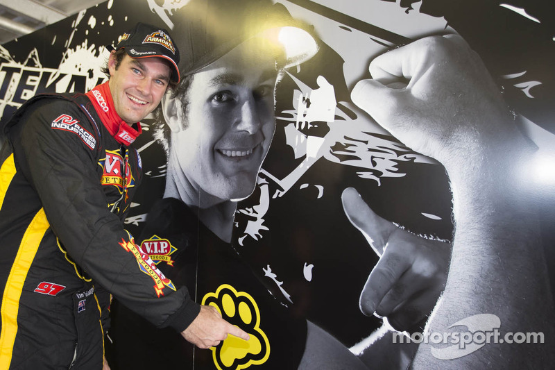 SVG in the spotlight again with Clipsal 500 pole