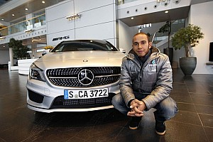 Formula 1 Breaking news Hamilton helping Mercedes shed old image - Wolff