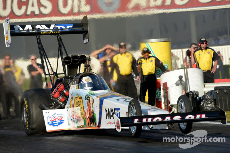 Bernstein, crew forced to rally during eliminations at Gatornationals