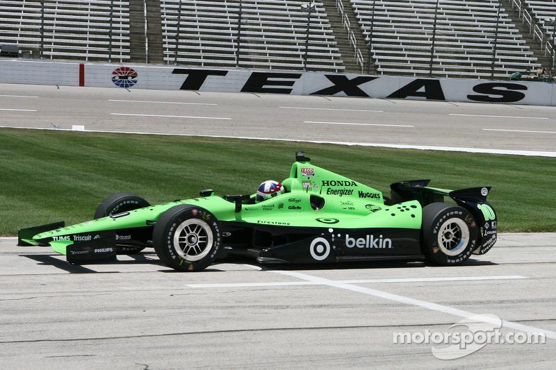 Franchitti Sixth, Dixon encounters mechanical problems at Texas