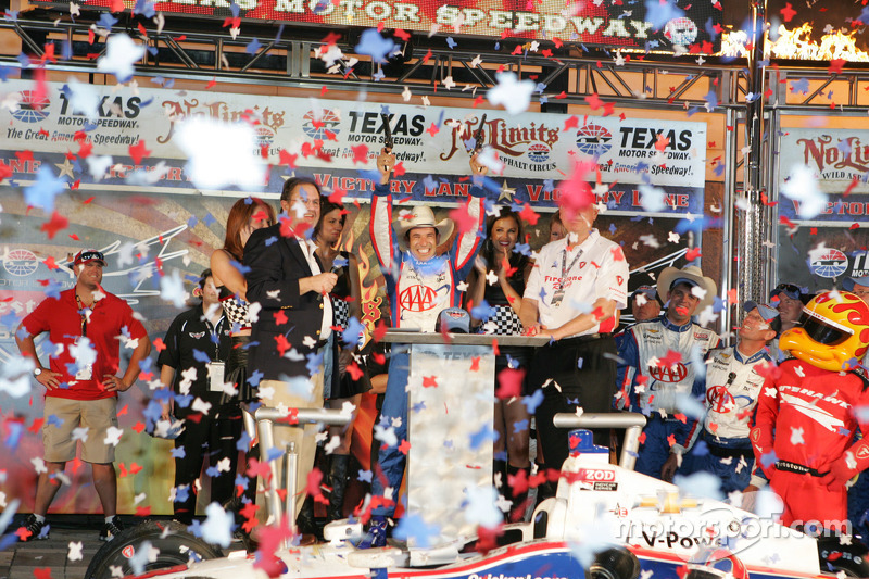 Castroneves and Penske dance away from justice at Texas post-race inspection