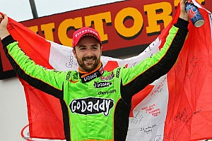IndyCar Race report Hinchcliffe takes dominant win in Iowa