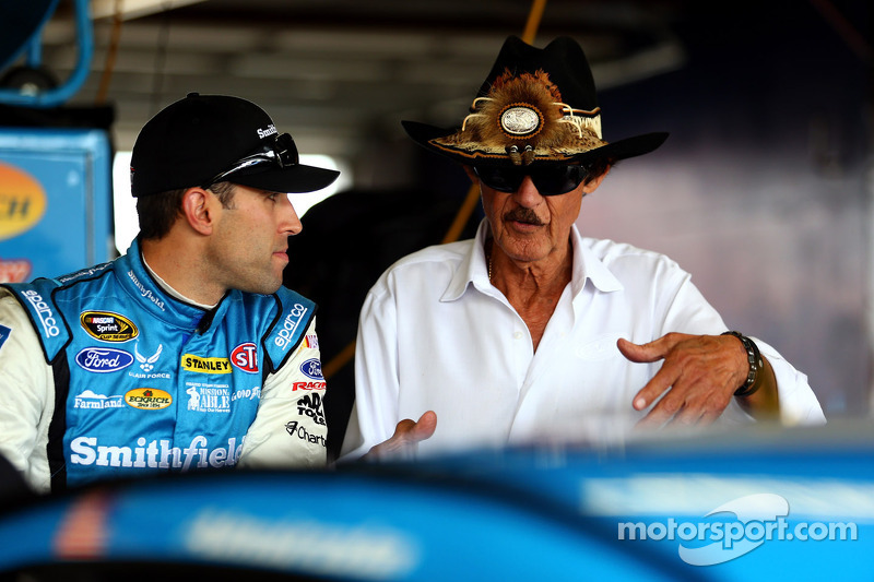 Almirola has confidence heading to Michigan 400