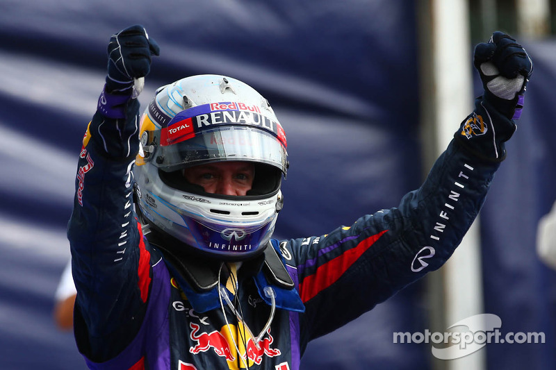 Brilliant Vettel eases to victory in Italy