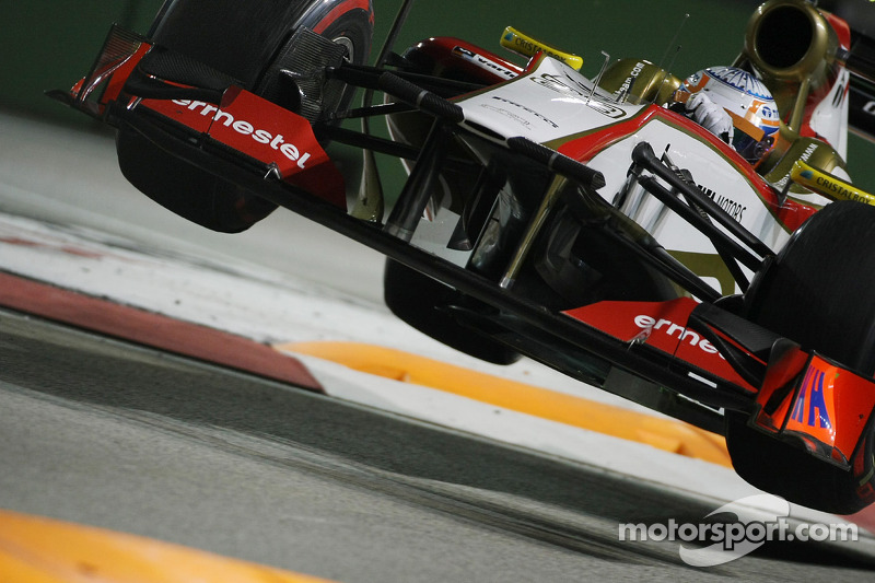 Formula One drivers happy with 'Singapore sling' axe