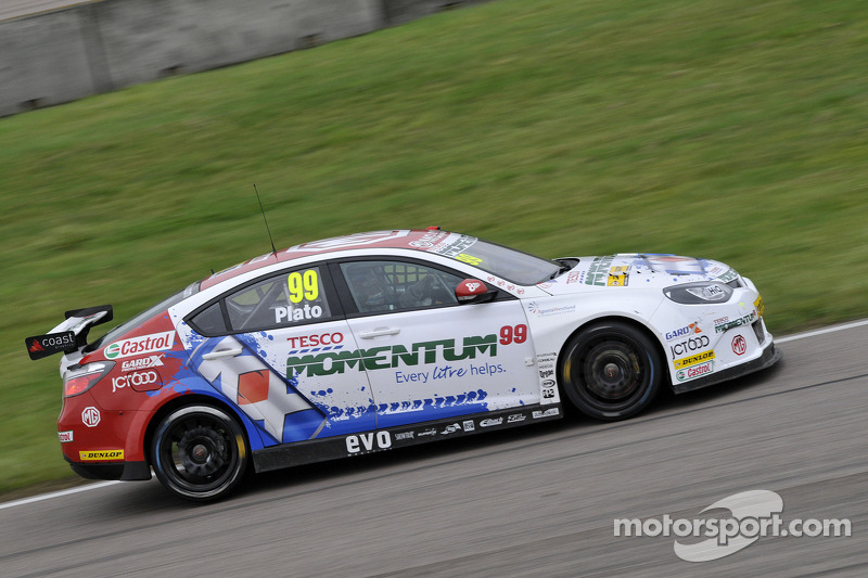 Plato on pole at Silverstone