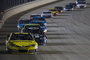 Matt Kenseth helping Jimmie Johnson at Martinsville? Yeah, right...