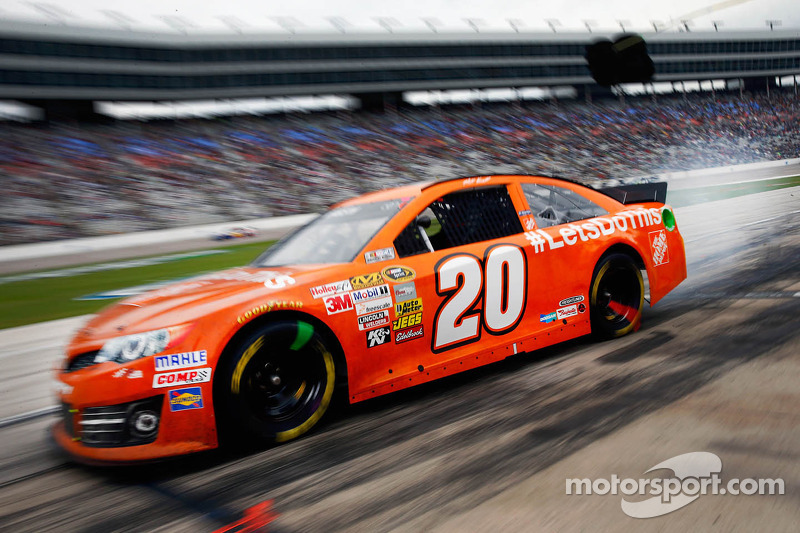 Kenseth maintains Chase pace at TMS