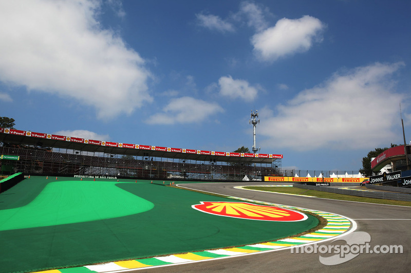 Brazil expects big finale crowd, despite Vettel