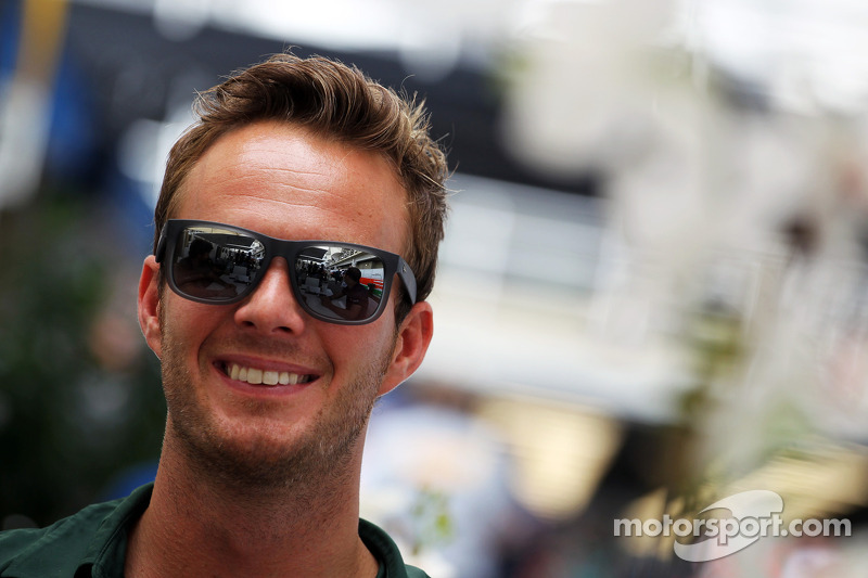 Van der Garde a candidate for Caterham, Force India