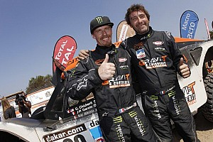 Dakar Breaking news 2014 Dakar Update: Eric Vigouroux hands Guerlain Chicherit his steering wheel!