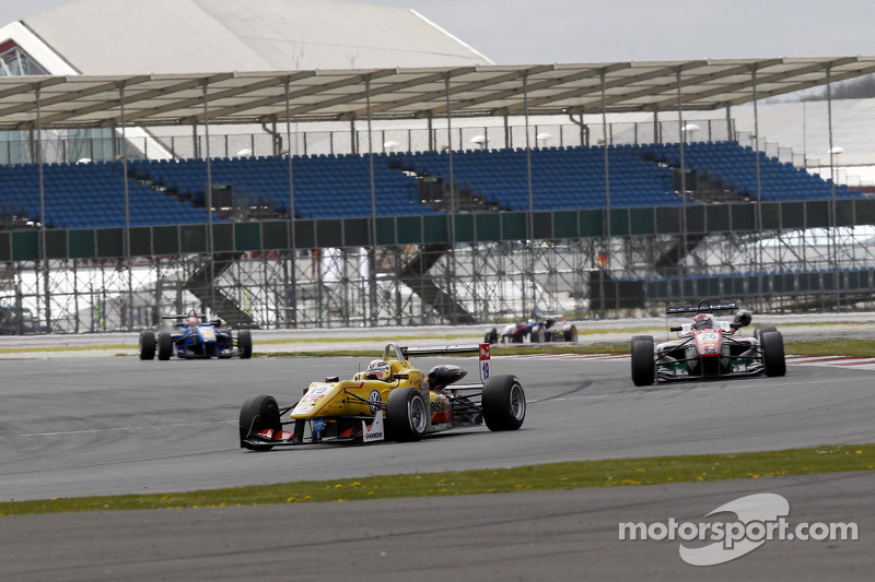 Antonio Giovinazzi achieves the fifth place in race-3 at Silverstone