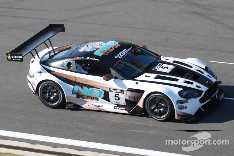 Experience shines through in unofficial practice at Autopolis