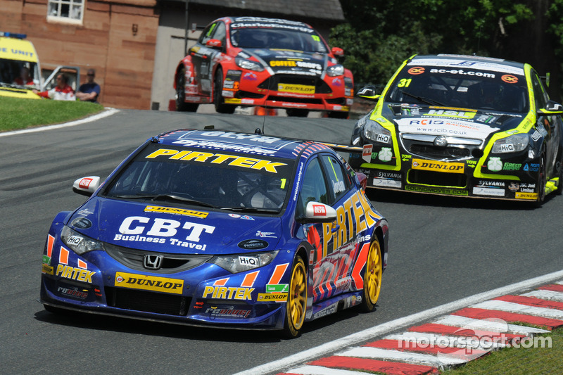 Jordan rejoins title battle with Race Three victory at Croft