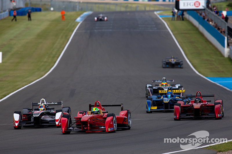 Lucas Di Grassi leads the way in second Donington Park test